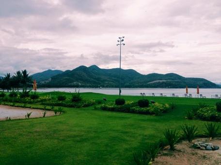 Sân tập Golf hướng biển ấn tượng dành riêng cho các tay chơi Golf