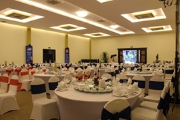 Diamond-ball-room
