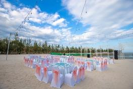 Đám cưới trên bãi biển - 12