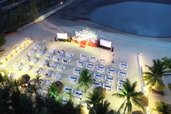 Happy Anniversary 10 years - DIAMOND BAY RESORT & SPA