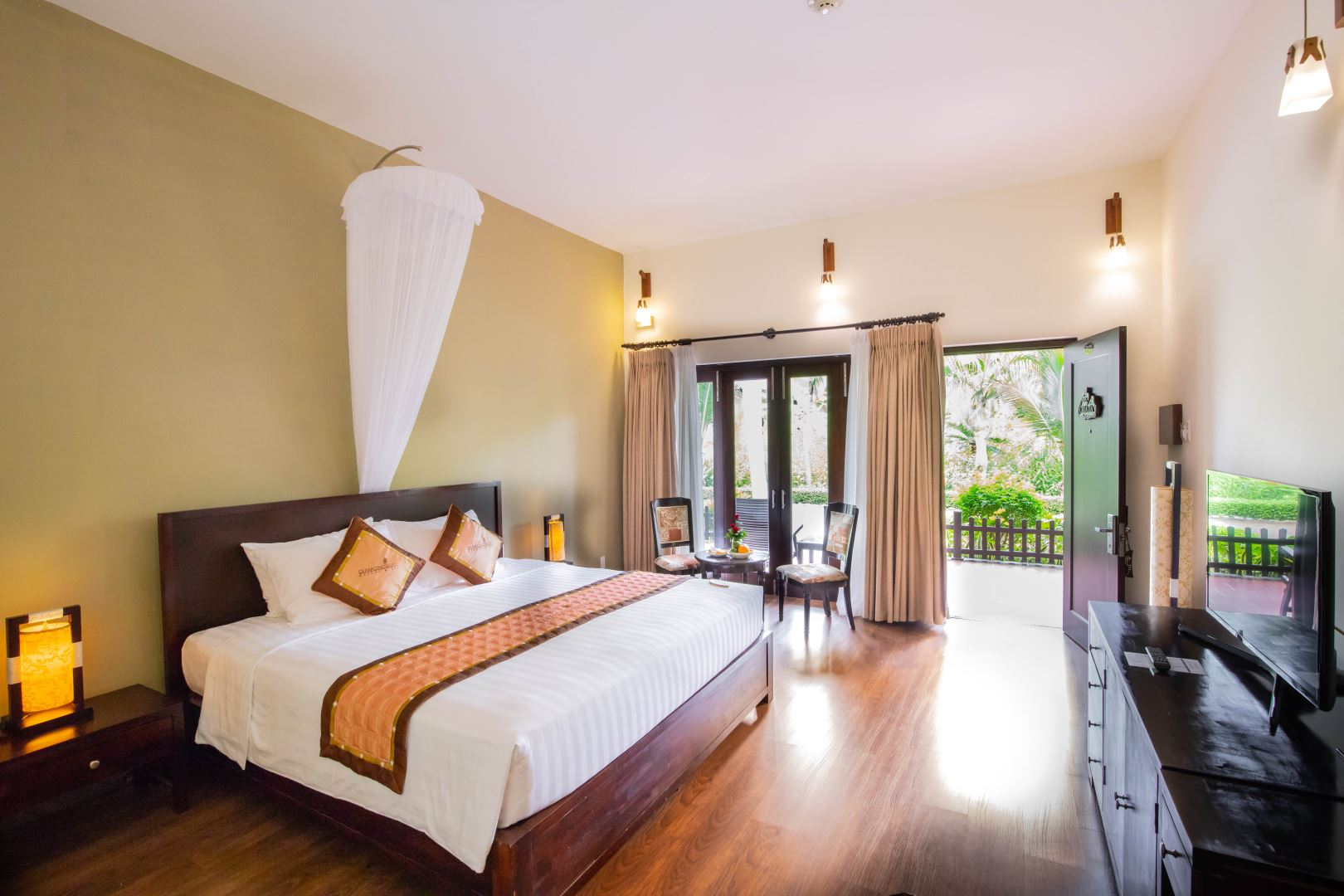 GARDEN BUNGALOW 2 DAYS 01 NIGHT 3.200.000 NETT